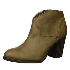 XOXO WOMEN'S CAMMIE ANKLE-HIGH BOOT SIZE 8, NIB
